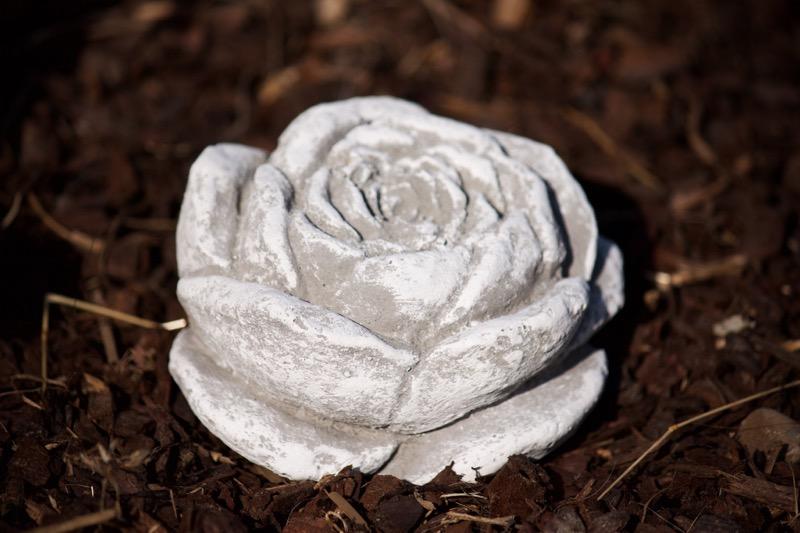 stein bl te frostfest garten deko steinguss skulptur rose