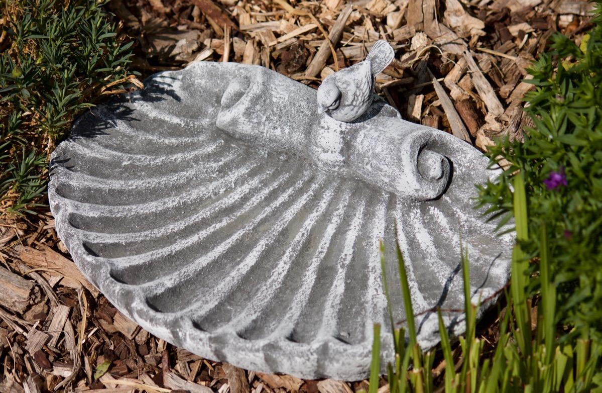 Vogeltränke mit Steinfigur Vogel ( steckbar ) frostfest Garten Deko ...